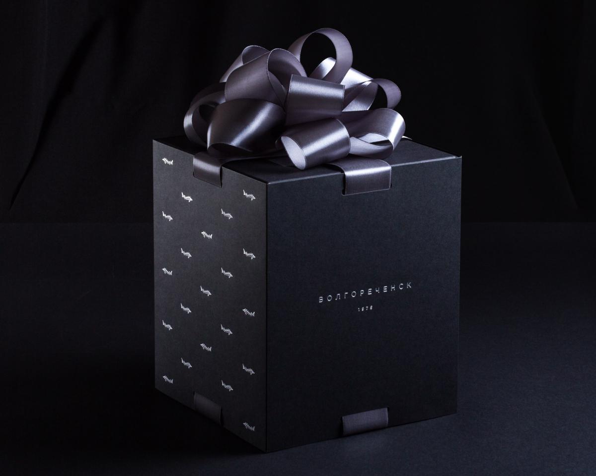 Будьте уверены — получать большой подарок приятно втройне